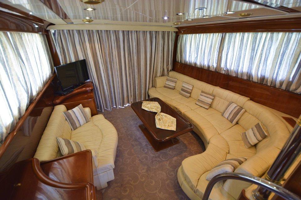 koursaros-yacht-olympian-cruises04
